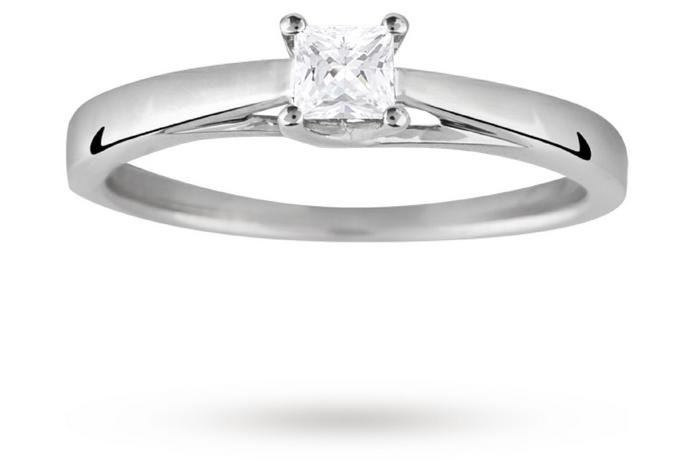 18ct White Gold Princess Cut 0.25 Carat 88 Facet Diamond Ring